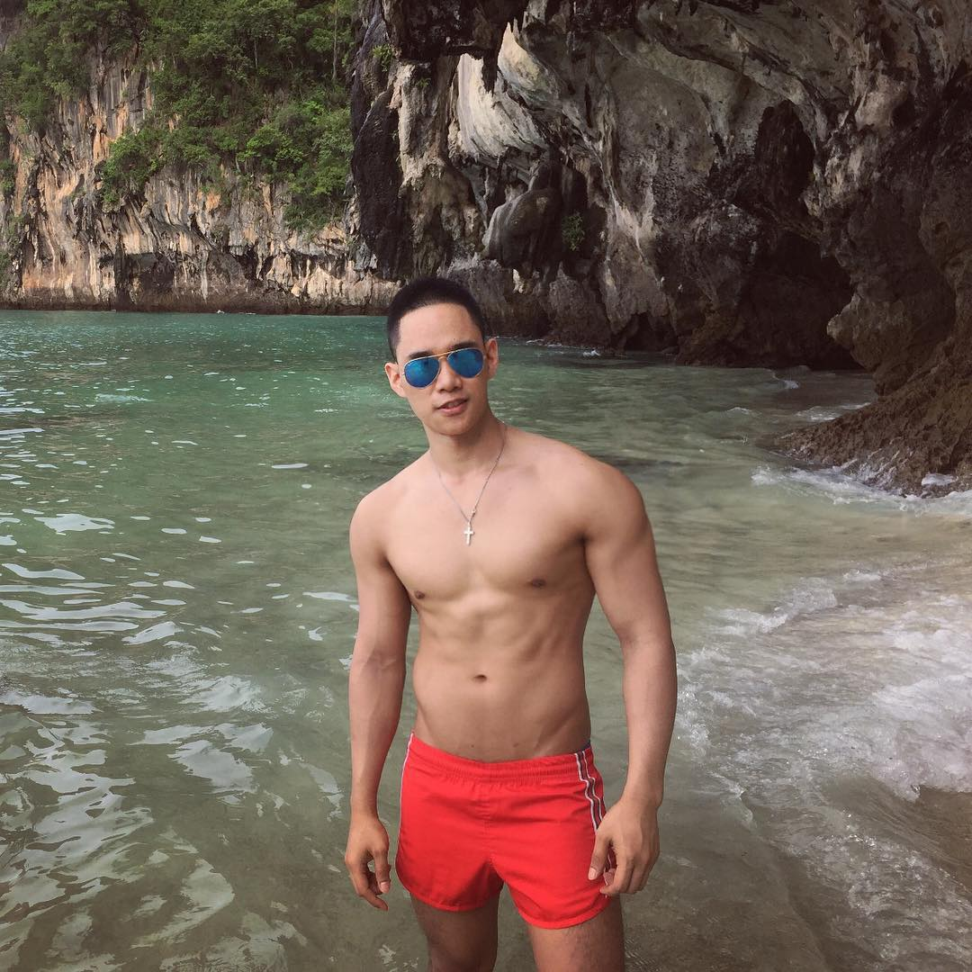 World's Hottest Guy in White Party Bangkok Royalty in Online Gay Travel Guide (38)