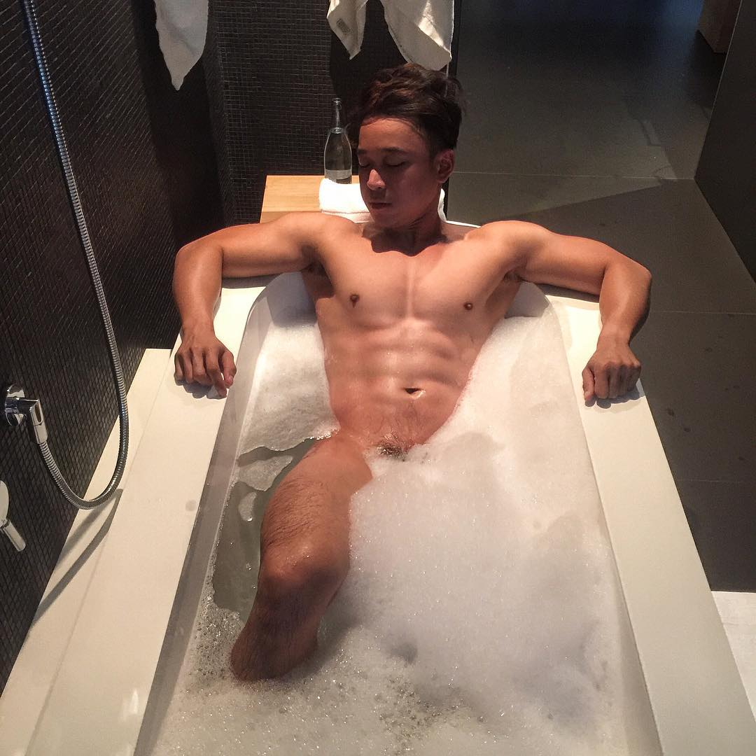 World's Hottest Guy in White Party Bangkok Royalty in Online Gay Travel Guide (7)