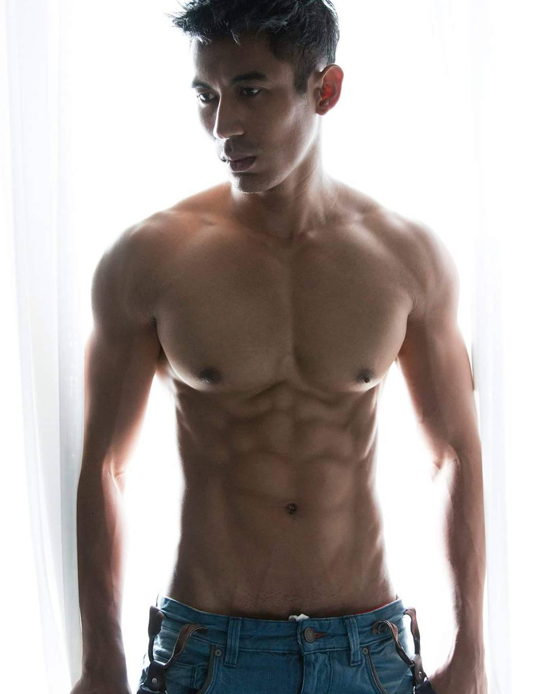 bachelor-of-the-week-from-manila-philippines-asias-largest-gay-travel-guide-for-gayparties-hotels-gay-bars-and-saunas-14