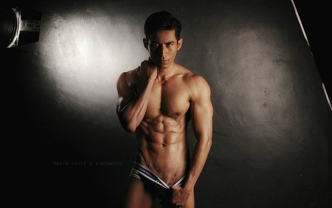 bachelor-of-the-week-from-manila-philippines-asias-largest-gay-travel-guide-for-gayparties-hotels-gay-bars-and-saunas-9