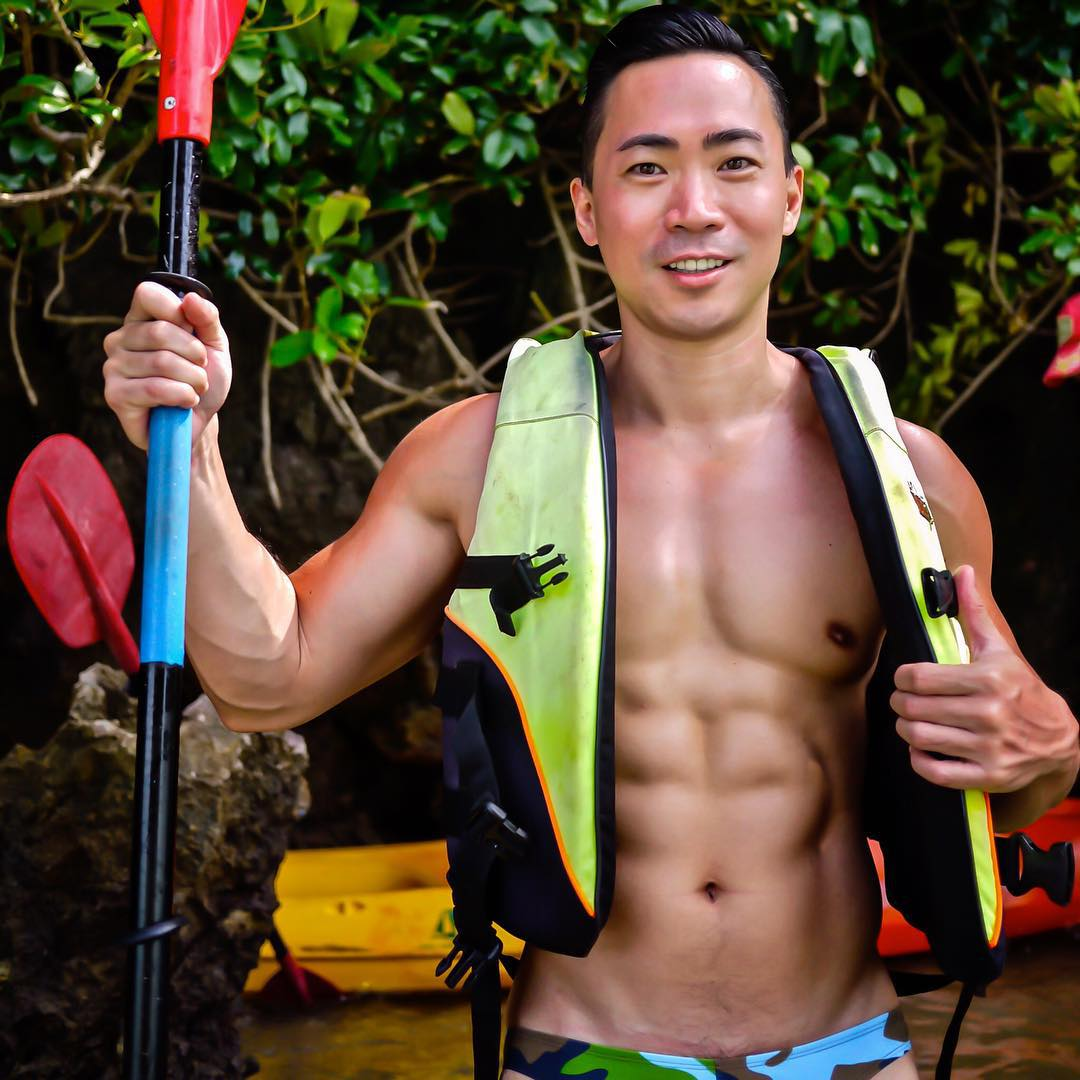 white-party-bangkok-asia-biggest-new-year-gay-party-hot-asian-guys-asias-largest-gay-travel-guide-15