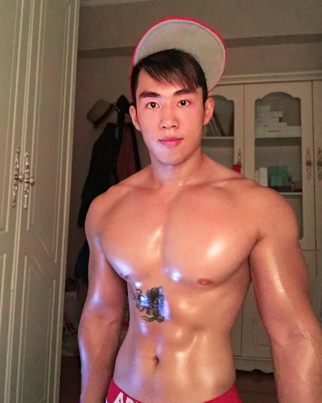 white-party-bangkok-asia-biggest-new-year-gay-party-hot-asian-guys-asias-largest-gay-travel-guide-16