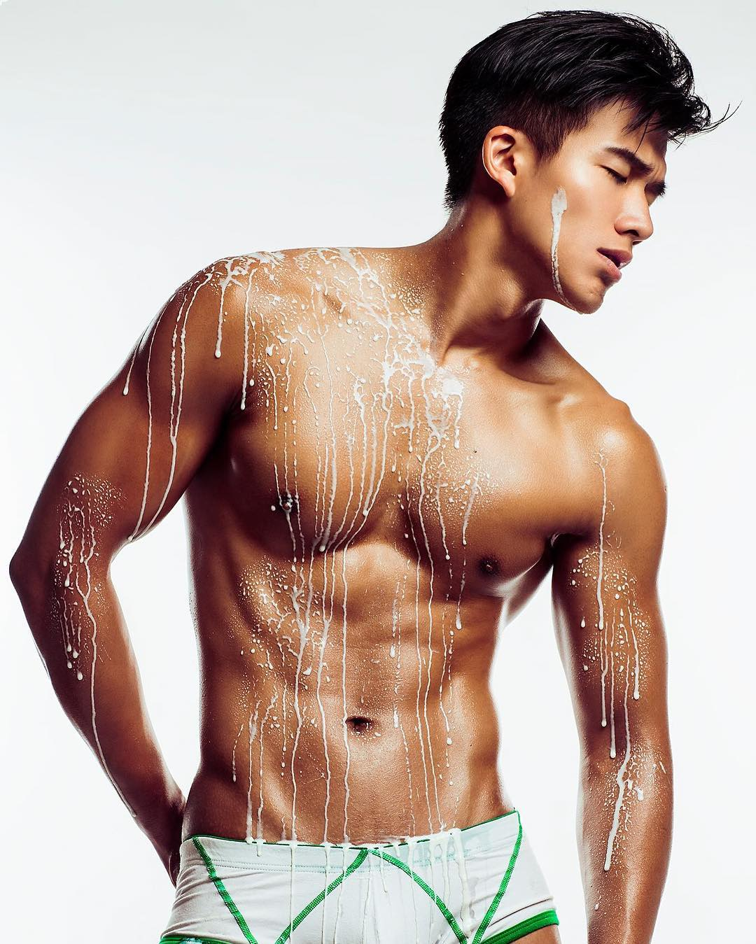 white-party-bangkok-asia-biggest-new-year-gay-party-hot-asian-guys-asias-largest-gay-travel-guide-3