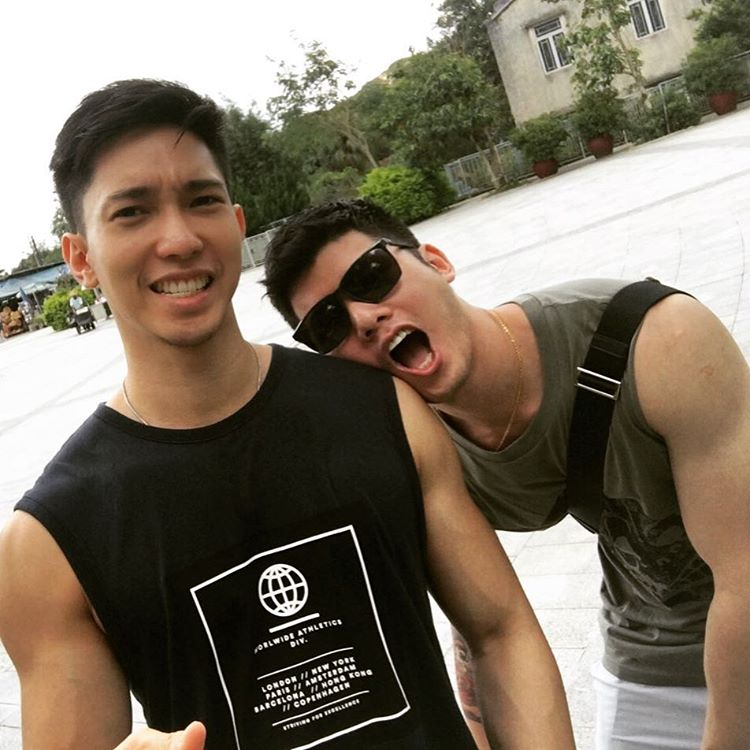cute-asian-gay-couple-singapore-thai-on-instagram-and-their-travel-tips-to-gay-men