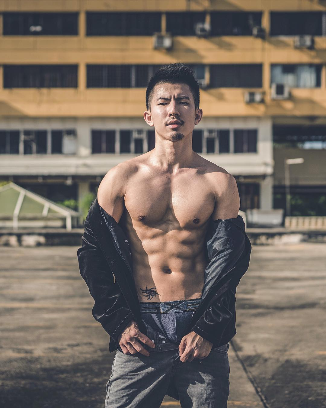 hot-asian-guy-ron-singapore-travel-guide