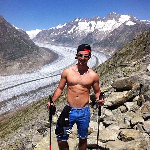 michalis-hot-guy-and-his-gay-guide-holiday