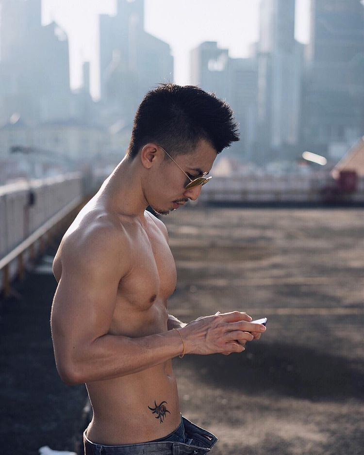 ron-hot-instagramer-and-his-travel-tips-to-singapore