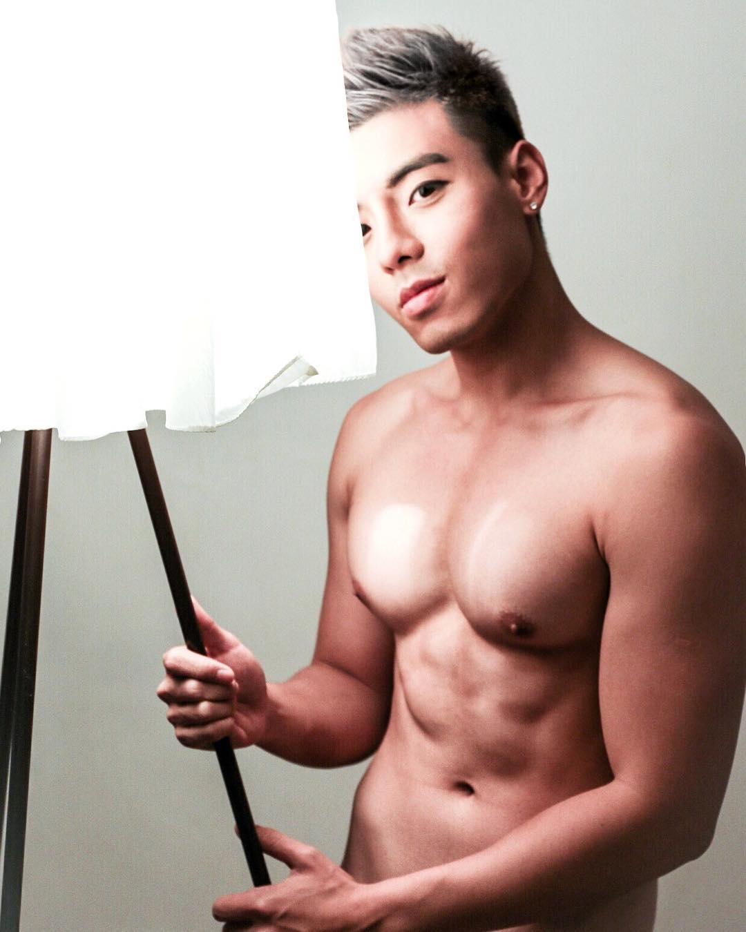 Dawn Bachelor of the week Hong Kong