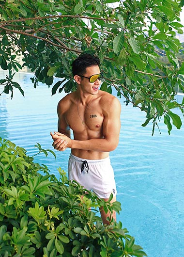 Hot-Asian-Guy-Queer-Destination-Gay-Sathorn-Bangkok-Rooftop-Pool
