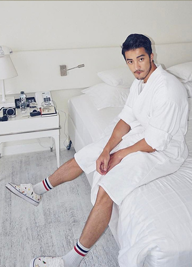 Hot-Asian-Man-in-White-Room-Pullman-Bangkok-Hotel-G-Gay-Friendly-Hotel
