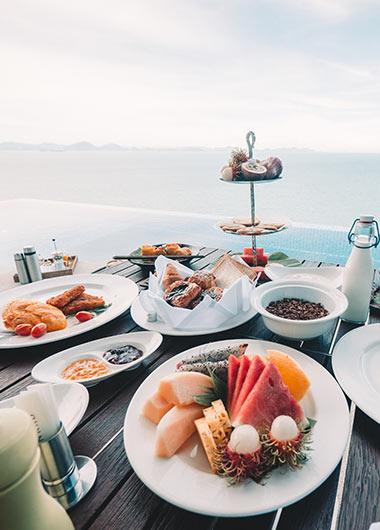 Pool-Villa-Dinning-Conrad-Koh-Samui