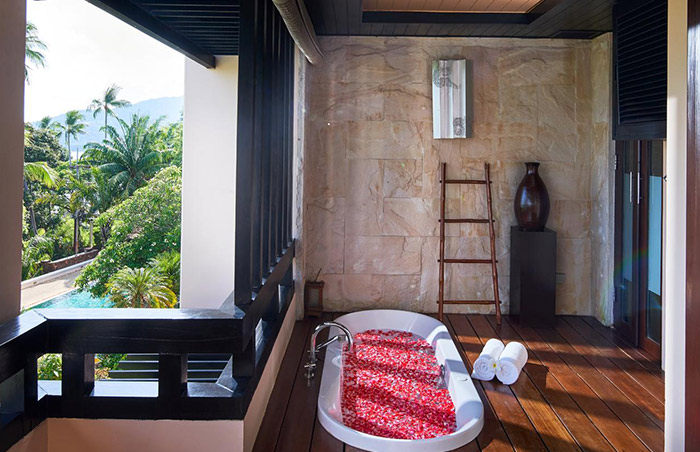 Luxury-Pool-Villa-for-Gay-Honeymoon-Couples-at-Renaissance-Koh-Samui-Resort