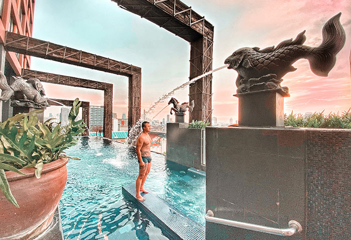 Insgram-Perfect-Rooftop-Pool-Gay-bangkok-Hotel-Siam-at-Siam