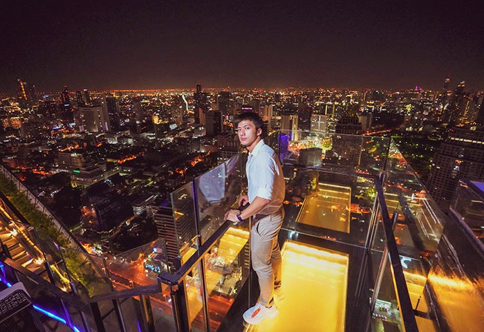 Most-Popular-Luxury-Rooftop-Bar-Bangkok-Vertigo-Banyan-Tree-Bangkok-Iknotus