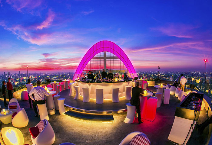 Perfect-Instagram-Rooftop-Bar-Gay-Bangkok-Hotel-Centara-Grand-at-Centralworld