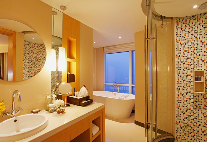 Top-6-Perfect-Gay-Bangkok-Honeymoon-Hotel-Centara-Grand-at-Centralworld