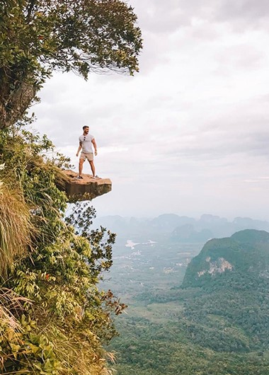 Best-Thailand-Holiday-Itinerary-for-Hiking-Mountains-and-Beaches