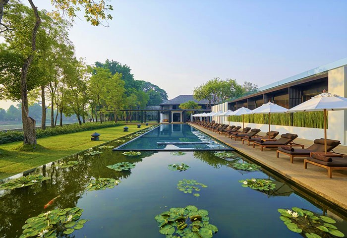 True-Gay-Luxury-Riverside-Hotel-Anantara-Chiang-Mai-Resort