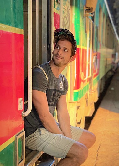 Best-Train-Trip-in-Bagan-and-Mandalay-for-Gay-Travelers